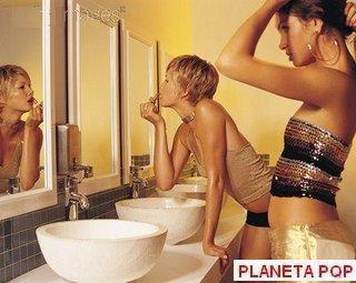 Flagra No Banheiro Feminino